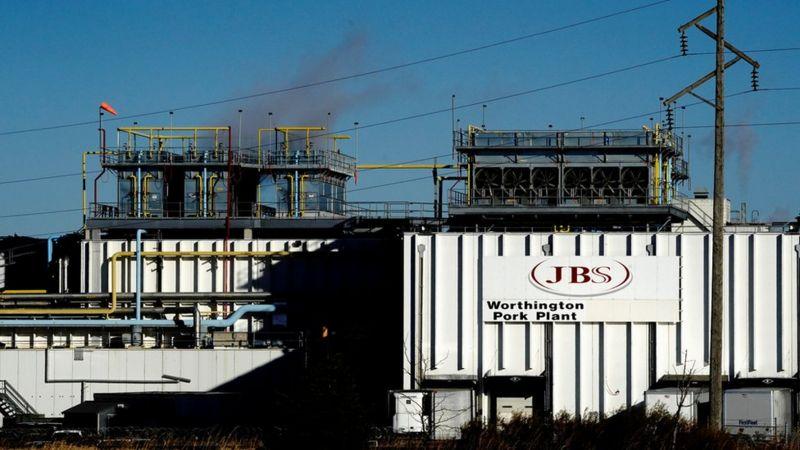 Крупнейший в мире производитель мяса JBS заплатил $11 миллионов выкупа после кибератаки